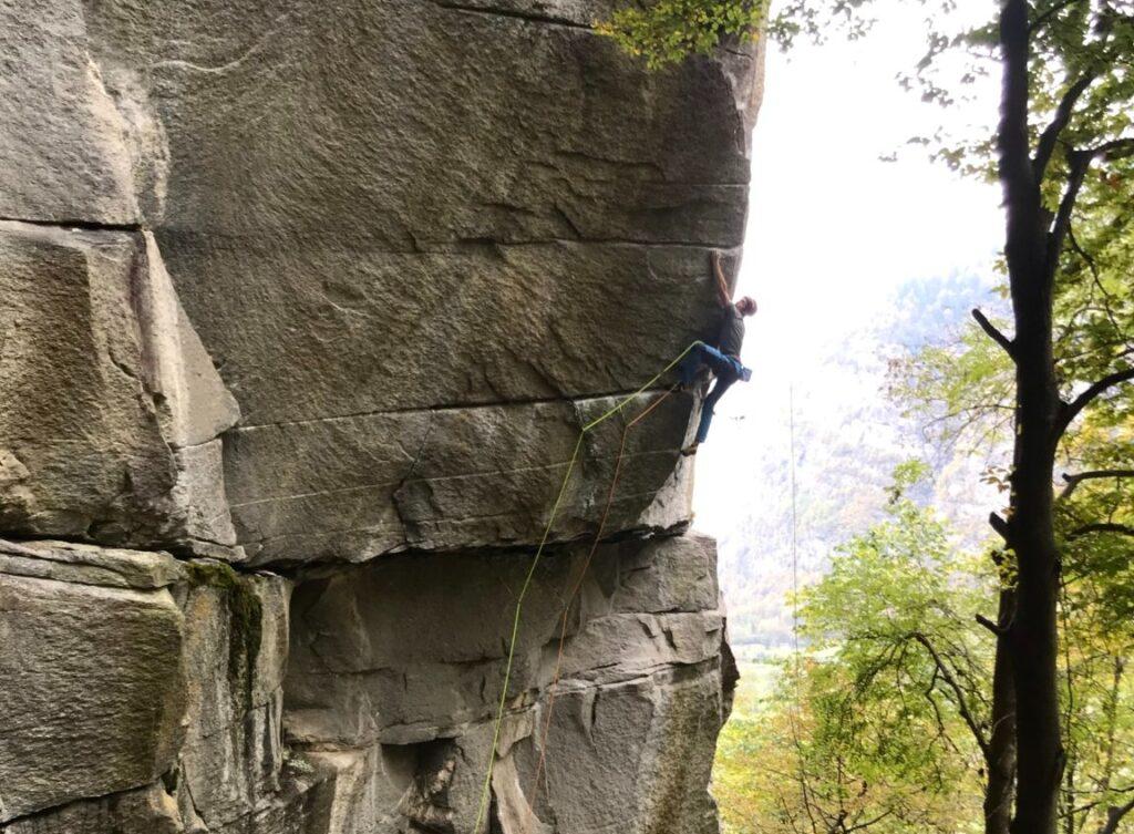 James Pearson escalando Tribe