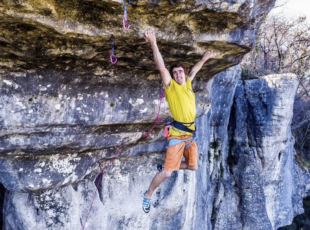 Seb Bouin escalando De l'Autre Côté du Ciel