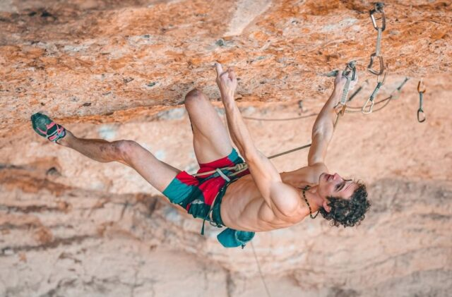 Adam Ondra escalando en Margalef