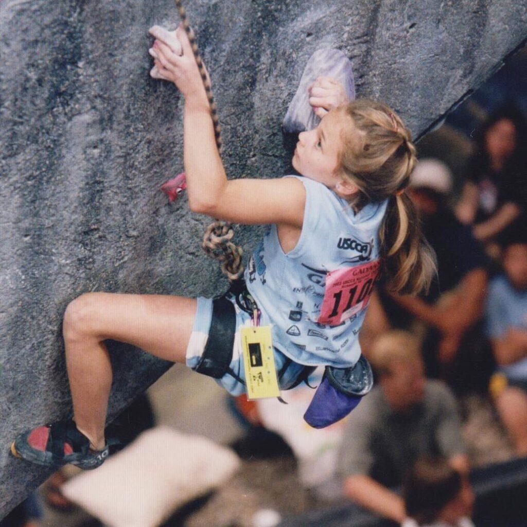 Sasha DiGiulian compitiendo en 2003