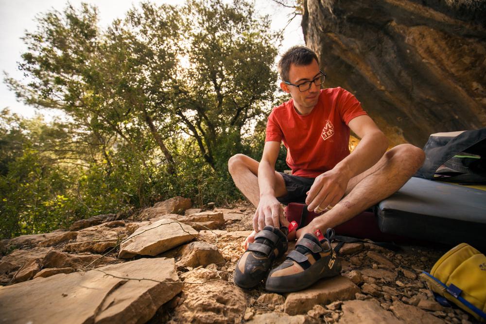Will Bosi haciendo boulder en Siurana