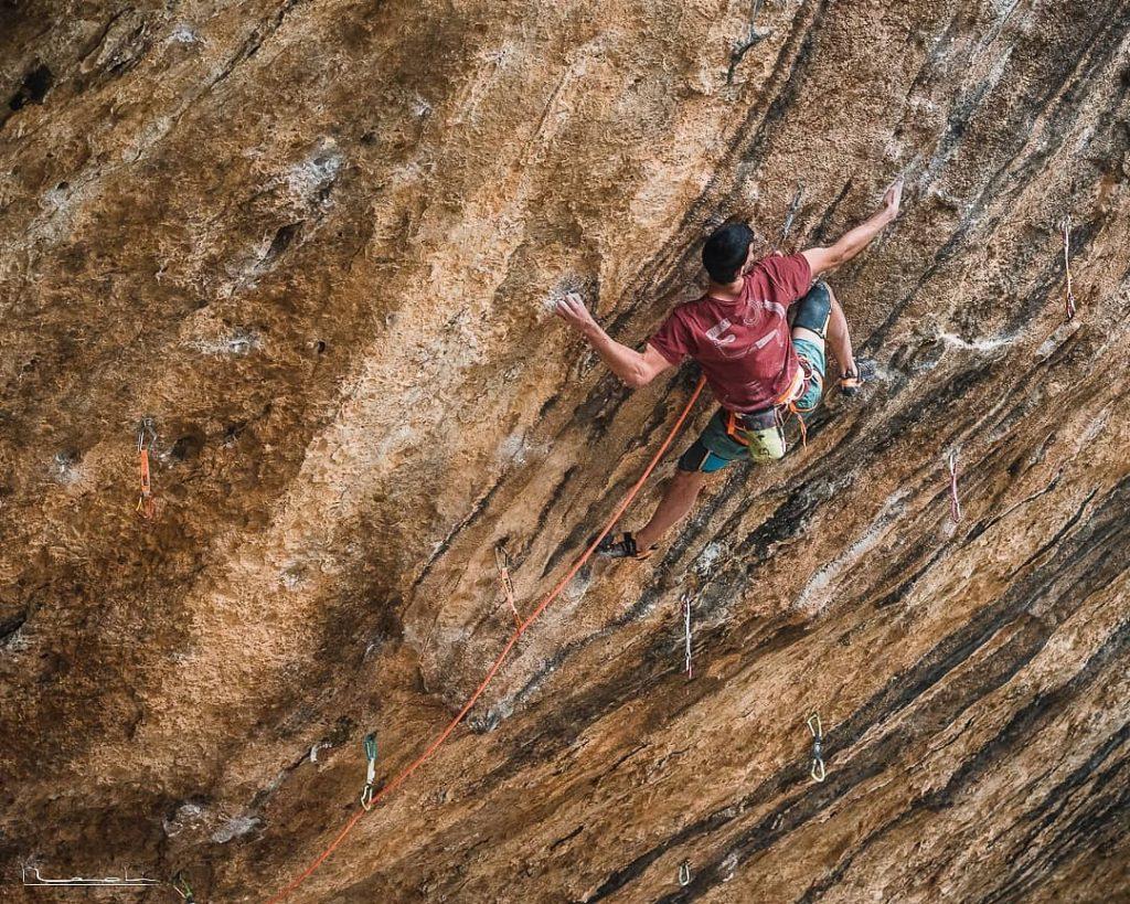 Jorge Díaz-Rullo escalando en Margalef