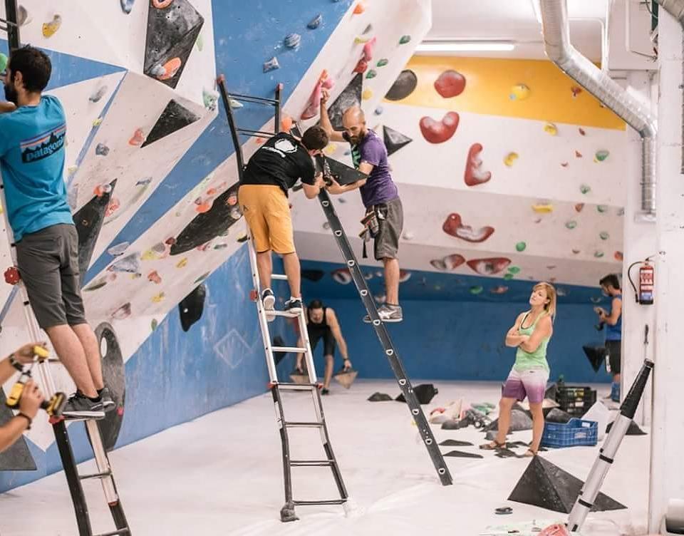Andrea Cartas escaladora y equipadora