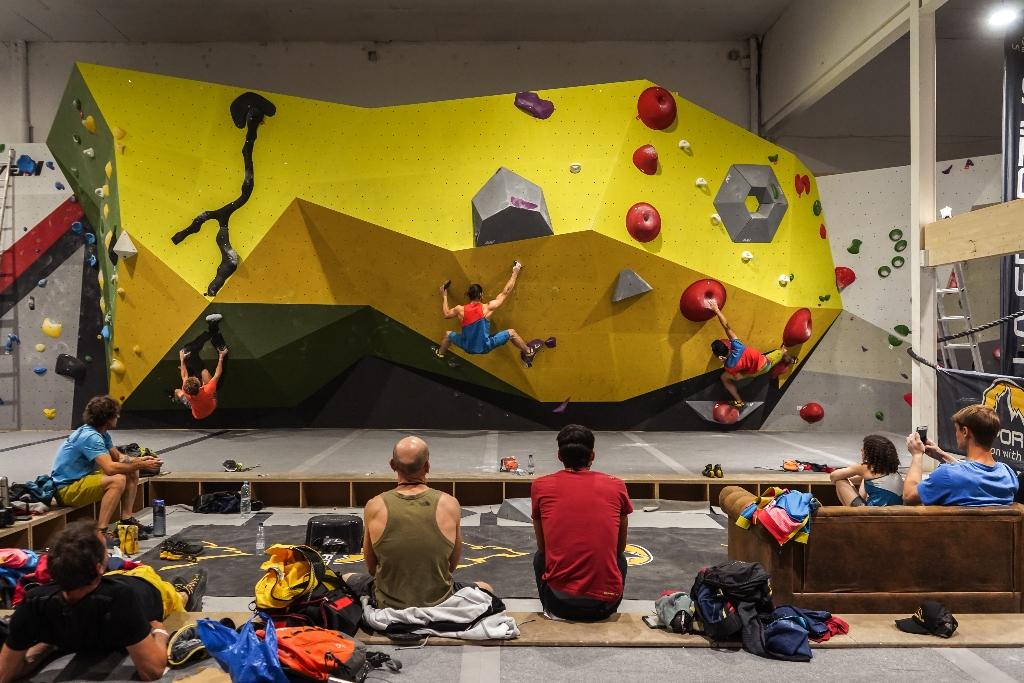 La Sportiva competición amistosa de boulder