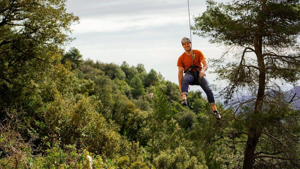 Santi Valerga escalando en Arbolí
