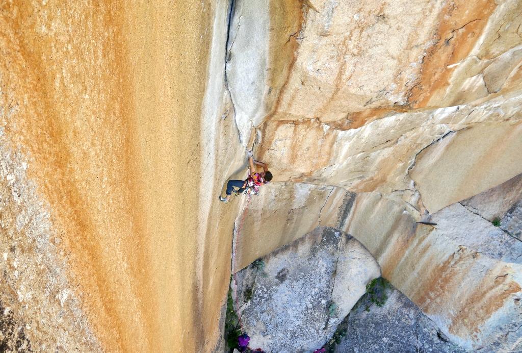 Symon Welfringer escalando La Baraka