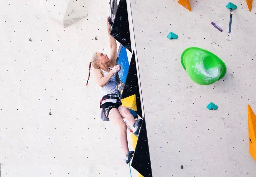 Janja Garnbret compitiendo en Innsbruck