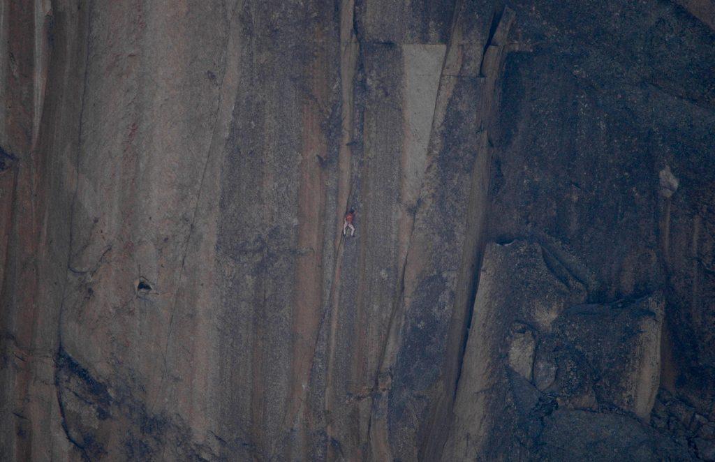 Sébastien Berthe escalando en el Petit Clocher du Portalet