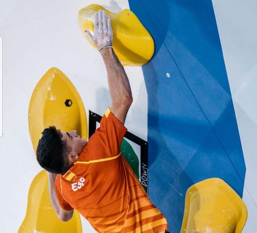 Alberto Ginés entrenando en Tokio